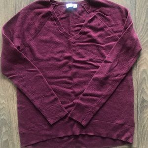 GAP V-Neck Burgundy Sweater